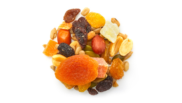 Golden raisins (raisins, vegetable oil (palm), sulphites), sultana raisin (raisin, vegetable oil (palm)), dried apricots (apricots, sulphites), red skin peanuts (peanuts, non-hydrogenated canola oil), blanched peanuts (peanuts, non-hydrogenated canola oil), roasted sunflower seeds (sunflower seeds, non GMO canola oil), dried pineapple (pineapple, cane sugar, sulphites, citric acid), papaya (papaya, cane sugar, sulphites, calcium chloride, citric acid, tartrazine, Sunset Yellow FCF ), almonds, pumpkin seeds.