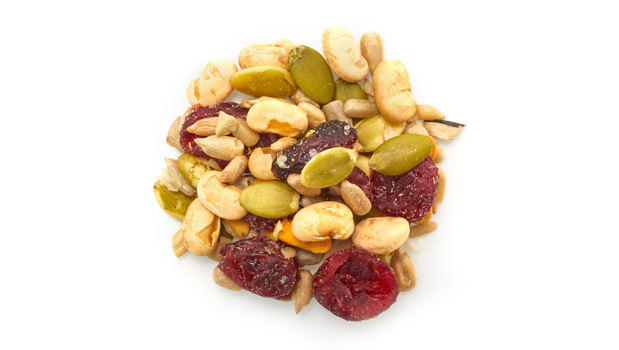 Raw pumpkin seeds, cranberries (cane sugar, sunflower oil), soya beans roasted no salt (soybeans, soybean oil), sunflower seeds roasted with salt (non GMO canola oil, salt).